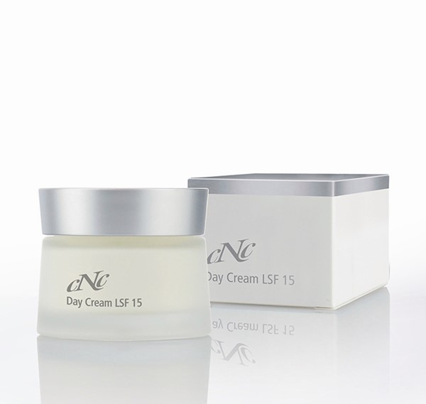 Afbeelding van CNC White Secret Day Cream LSF 15 50ml